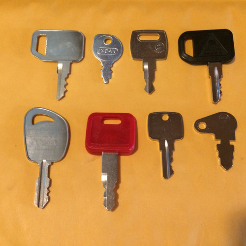 John Deere 8 Piece Key Set