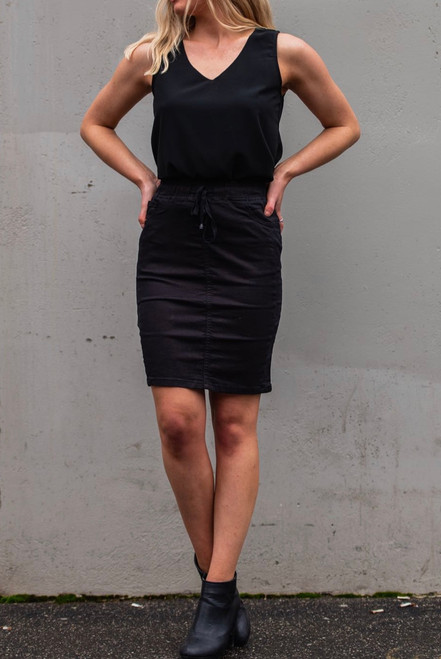 CD BLACK SKIRT SHORT