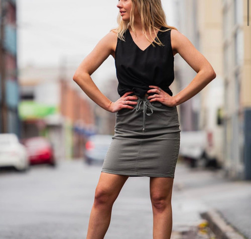 CD KHAKI SKIRT