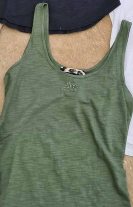RE AVE KHAKI SINGLET