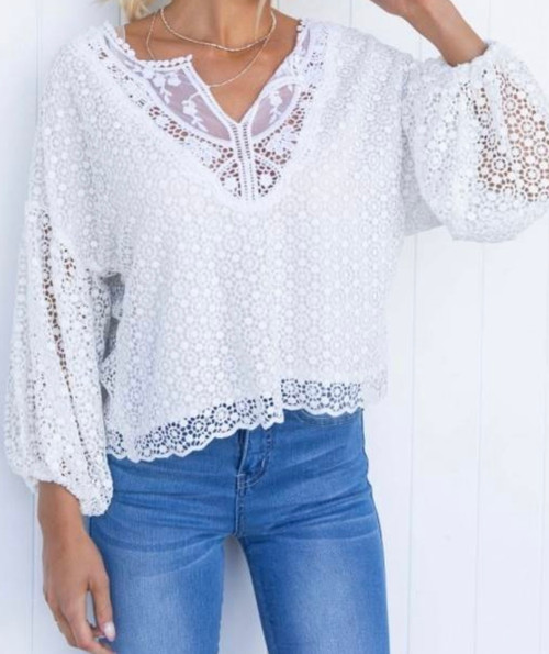 IN LACE WHITE TOP