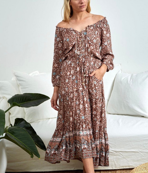IM ON OFF SHOULDERS CHOCOLATE MAXI