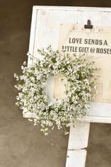 Leading Ladies Wreath | White
