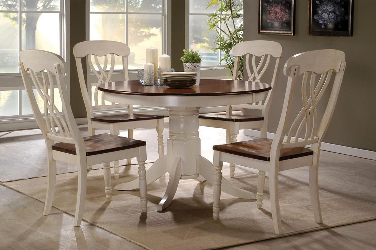 42 Lander Round Kitchen Table w/4 Chairs