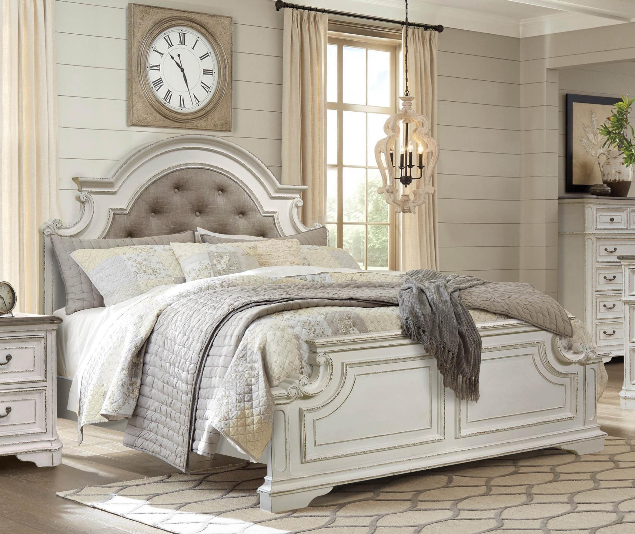 Albertville 4 Pc Antique White Bed With Dresser Mirror Night Stand
