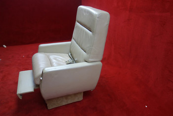 EDRA Inc. Grumman G-1159 Gulfstream 3019(D) FWD Seat w/ Seat Belt, PN 303479-18 (CALL OR EMAIL TO BUY)