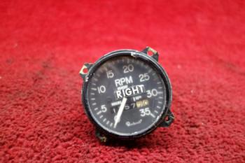 Aircraft Inst. Tachometer W/ Drive Adapter PN 35-324365-23, 30B1000-23, 106301