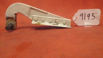 Piper    Gear Door Hinge PN 46652