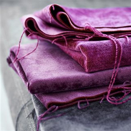 Vintage weathered velvet Pinks