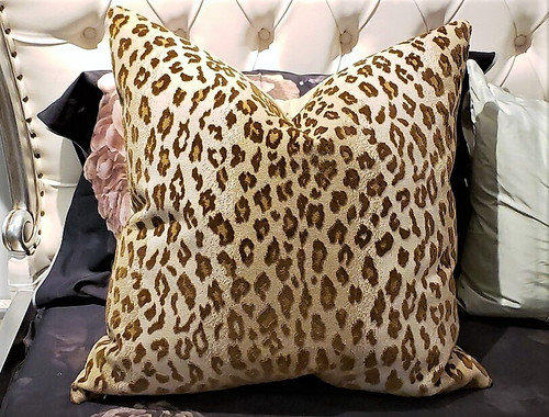 SAFARI EPINGLE CHAMOIS THROW PILLOW