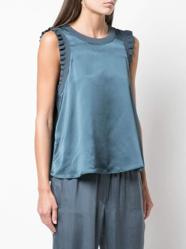 Cinq A Sept Lenore Top In Onyx Side View X1https://cdn11.bigcommerce.com/s-3wu6n/products/33107/images/109040/14216729_20664488_1000_1024x1024__31810.1587847649.244.365.jpg?c=2X2