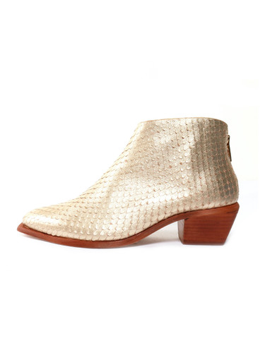 WAL & PAI Scot West Gold Reptile Ankle Boot Side View X1https://cdn11.bigcommerce.com/s-3wu6n/products/33410/images/110500/5__05344.1600997397.244.365.jpg?c=2X2