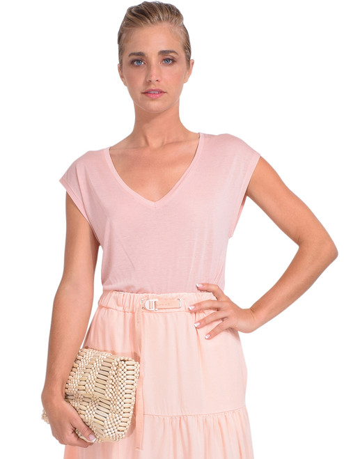 Bellerose Calou T-Shirt in Misty Front View x1https://cdn11.bigcommerce.com/s-3wu6n/products/33906/images/112825/DSC_0362__67716.1618875756.244.365.jpg?c=2x2