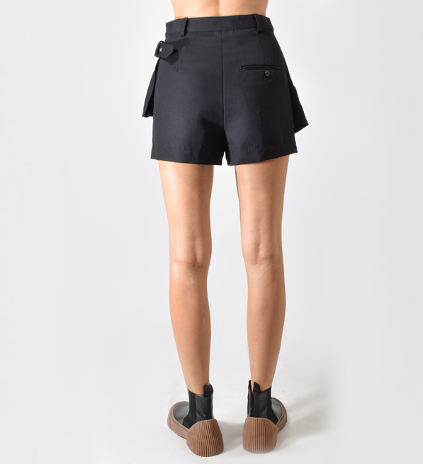 Ruffled-Apron Skort in Black