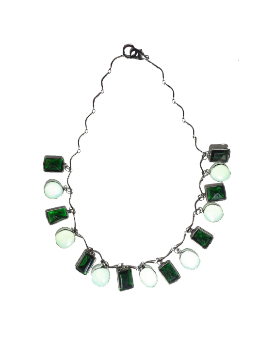 X1https://cdn11.bigcommerce.com/s-3wu6n/products/32151/images/104000/Chalcedony_Green_Quartz_Necklace_2__98138.1563485095.244.365.jpg?c=2X2