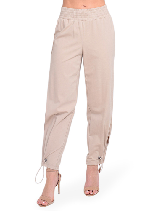 ALICE + OLIVIA Miami Side Slit Jogger in Nude Front View  X1https://cdn11.bigcommerce.com/s-3wu6n/products/33687/images/111674/DSC_0696_Full__69689.1610585927.244.365.jpg?c=2X2
