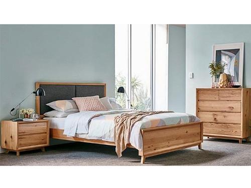 Boston Queen Bed