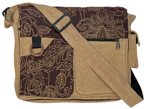 Multi-Pocket bag w/ great print.