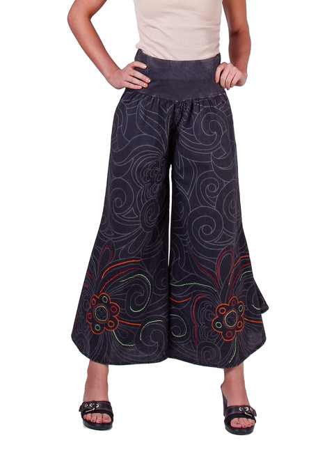 Awsome Pants with cool print and embroidery