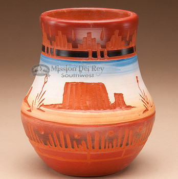 """American Indian Navajo Pottery Vase 4.5"""" -Hand Etched (p232)"""
