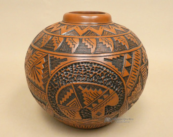 Native American Navajo Etched Pottery Vase - Bear