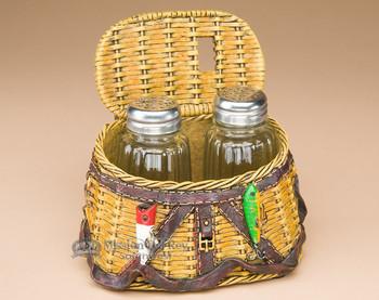Salt and Pepper Shaker - Fisherman Creel