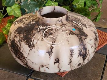 Navajo Indian Clay Horse Hair Pottery Vase