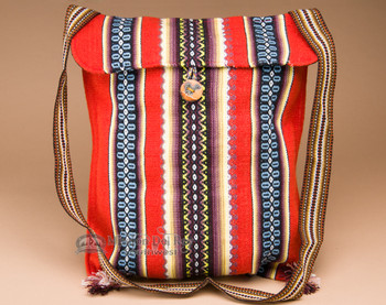 Southwestern Huallhuas Village Sheep's Wool Tote