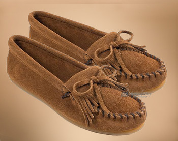 Women's Traditional Fringed Leather Moccasins