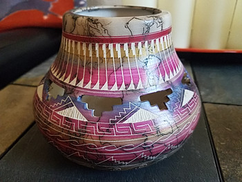 Hand Etched Navajo Horse Hair Color Band Pottery