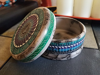 Hand Etched Navajo Horse Hair Color Band Pottery Jewelry Box