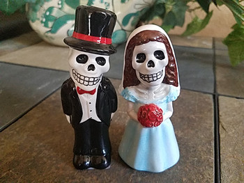 Day of The Dead Salt & Pepper Shakers -Bride & Groom