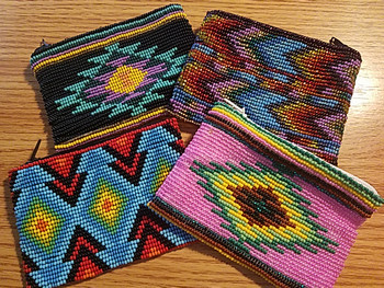 Bulk beaded coin purse in assorted colors and designs