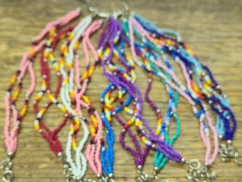 Bulk beaded bracelet in assorted colors