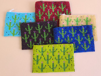 Assorted beaded coin purses in assorted colors with designs
