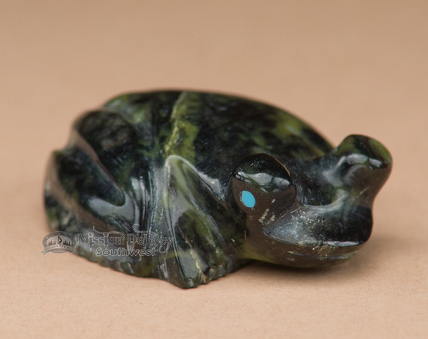 Indian Hand Carved Ricolite Stone Zuni Fetish -Frog (f85)