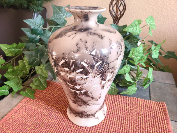 Horsehair Etched Pottery Vase - Turtle