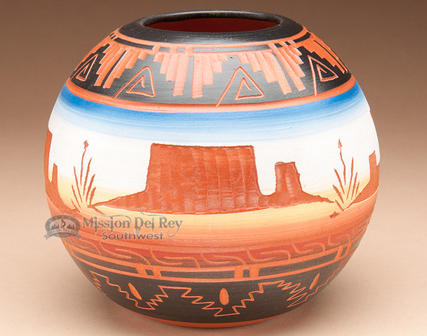 "Navajo American Indian Pottery Vase 5"" -Monument (p203)"