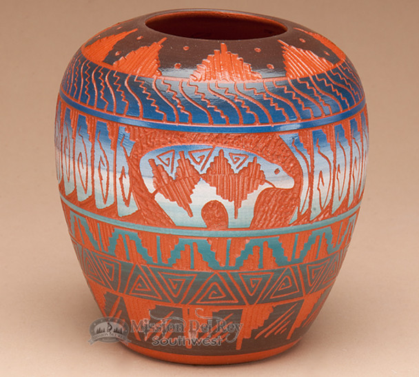 Navajo Indian Pottery Etched Clay Vase 5 -Bear (p345)