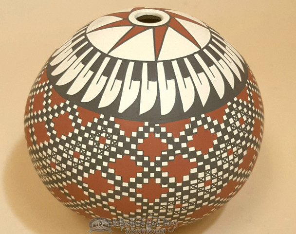 Mata Ortiz Hand Painted Pottery Seed Vase by Juana Gaona