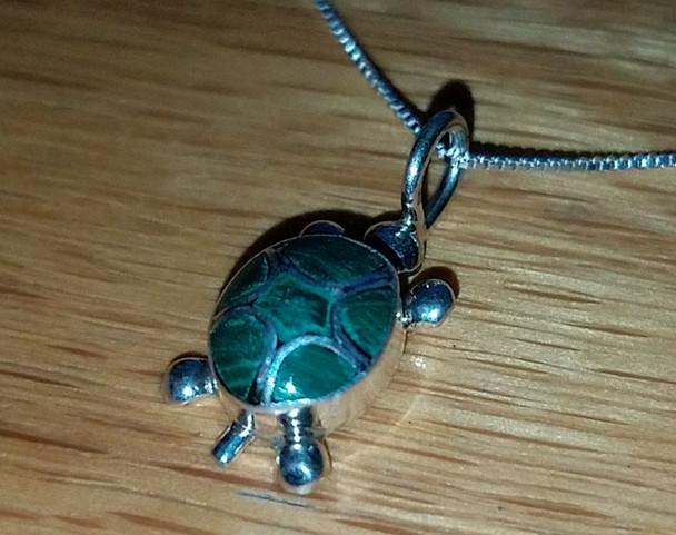 "Silver Pendant Necklace 18"" -Turtle"
