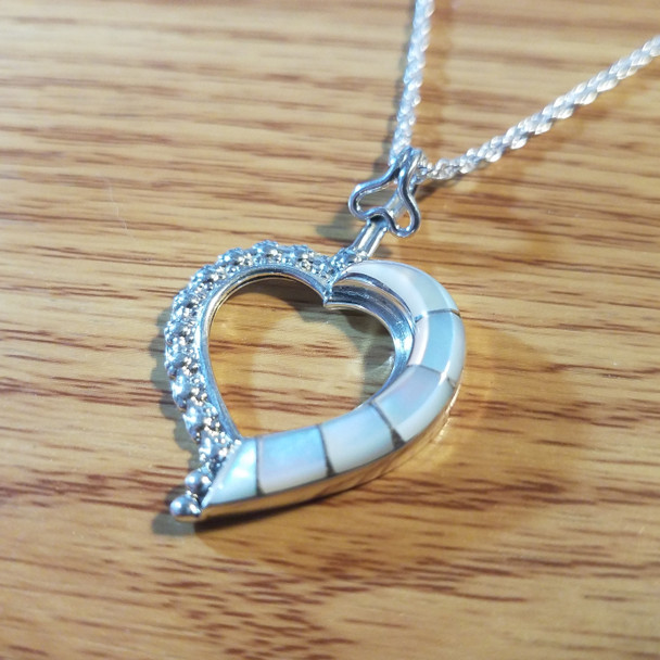"""Sterling Silver Native American Inlaid Zuni Heart Necklace 20"""""""