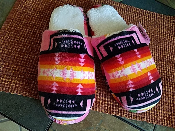 Southwestern Plush Slippers -Pink Size7