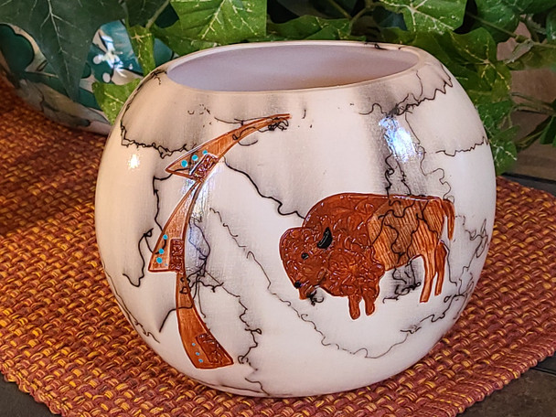 Etched Horse Hair Pillow Vase -Buffalo
