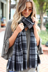 Black -  Plaid Fleece Scarf