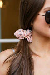 Close Up of the Speckled Scrunchie from Dress Up