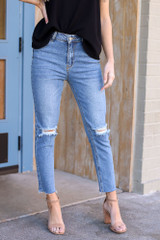 Medium Wash - High-Rise Frayed Mom Jeans from Dress Up