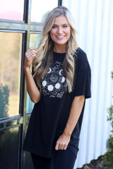 Black - oversized graphic t-shirt with black leggings
