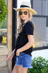 Dress Up model wearing the Basic Tee with a wide brim hat