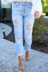 cute light wash distressed mom jeans